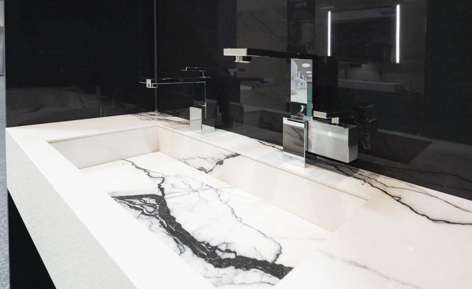 Bílé umyvadlo Genova s černou žílou