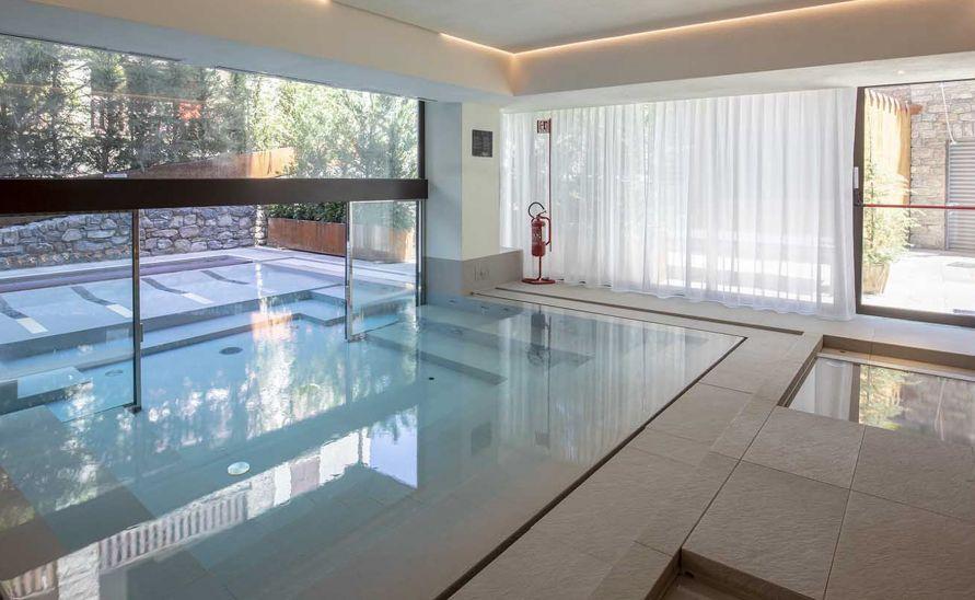 Čtvercové a obdélníkové bazénové tvarovky na míru