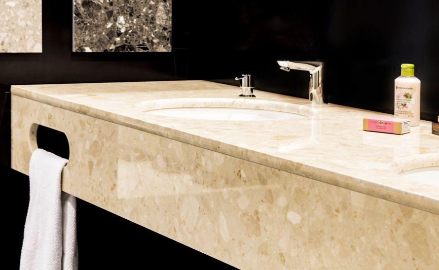 Koupelnová deska z umělého kamene Quarella v síle střepu 20 mm