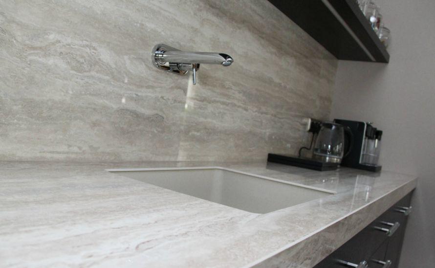 Kuchyňský obklad - Slinutá keramická dlažba v síle střepu 6 mm