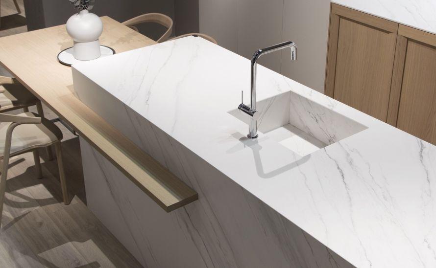 Kuchyňský pult - Slinutá keramická dlažba v síle střepu 12 mm