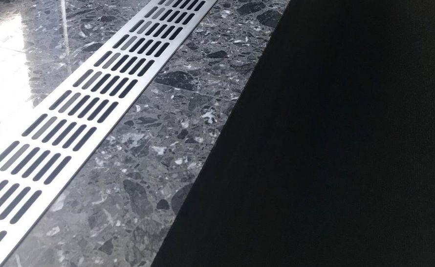 Parapet technického kamene Quarella v síle střepu 20 mm