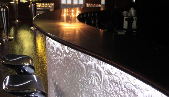 Barové pulty v Pantheon Music Clubu v Plzni