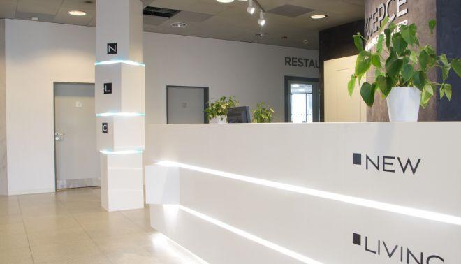 Recepční pult v New Living Center - Praha