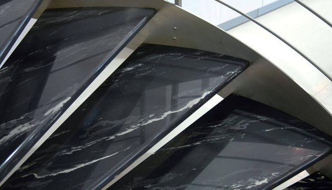 Točité schodiště Autosalon Toyota Dajbych
