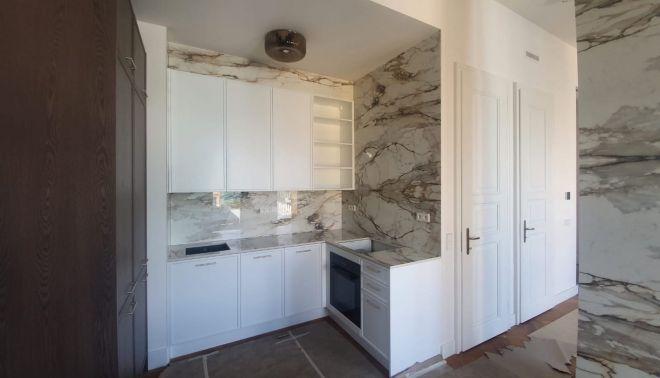 Obklad stěn a kuchyňská deska