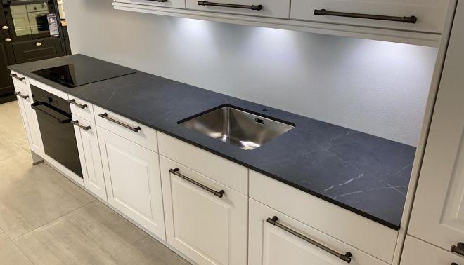 Kuchyňská deska z keramické desky TechnoArt Stone