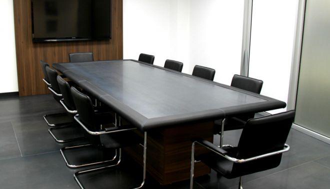 Stoly do zasedacích místností pro ProCeram a.s.