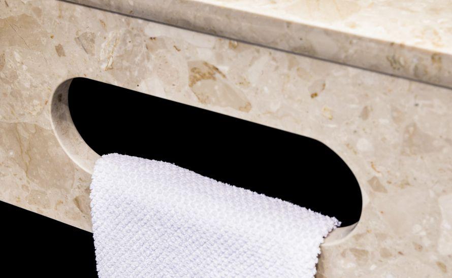 Výřez pro ručník se zaleštěnou hranou